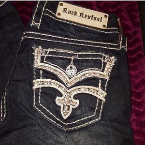 Rock Revival Skinny Jeans 🔥